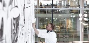Livezeichnung in der Gläsernen Manufaktur Dresden