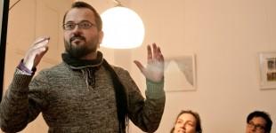 Andreas Bauermeister präsentiert die Kreativ-Etage.